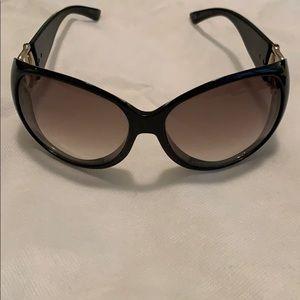 Unworn GUCCI 2942/S D28LF Black Sunglasses!